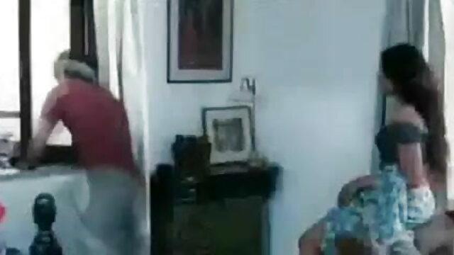 રશિયન મમ્મી સાથે વાળ વાળુ એક સેકસી સેકસી બીપી વીડીયો સમયે બે સાથે રમવા માટે