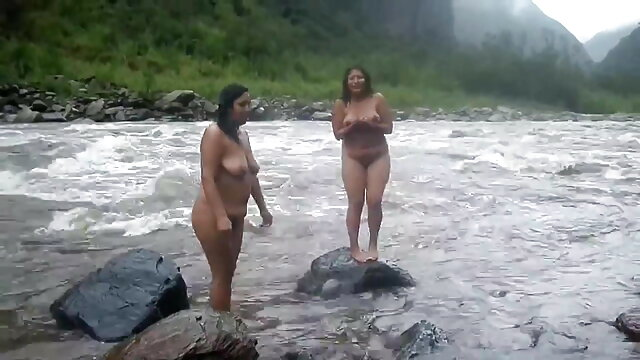 રાંડ મોટા બોબલા વાળી મહિલા masturbates ક્લાઈન્ટો શિશ્ન શેરી પર અને fucks સેકસી વીડીયા બીપી તેના પર કેમેરા
