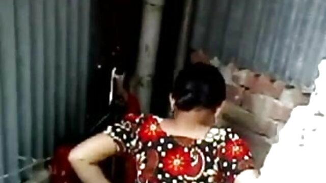 ચામડી કાળી છોકરી ઇસાબેલા Chrystin દર્શાવે નગ્ન સ્લોટ બીપી વીડીયો સેકસી ગુજરાતી અને મોટી ગાંડ