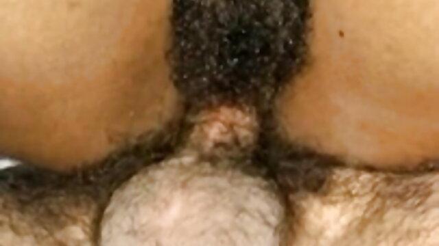 ચરબી માતા પહેરે બીપી વીડીયો સેકસી એચડી છે તેના કાળા જાંઘિયો અને ગાંડ ગાંડ બોલમાં સરકી ફ્લોર પર.