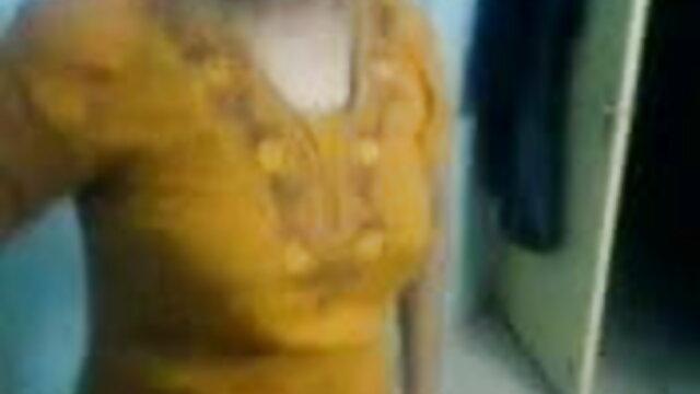 યુવાન વર્જિન વૈભવી મોટા બોબલા વાળી મહિલા બીપી સેકસી બીપી વીડીયો સેક્સ સાથે છોકરી બેડ પર