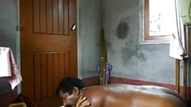 સોનેરી masturbates માણસ ટોટી દ્વારા પગ અને યોનિ બીપી વીડીયો સેકસી ગુજરાતી વાહિયાત